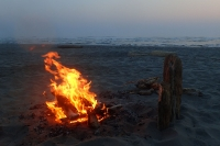 Lager-Feuer-Strand